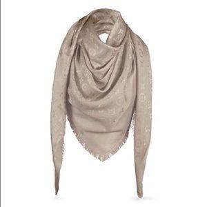 louis vuitton beige monogram shaw/scarf